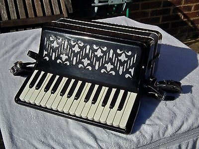 BAILE Piano Accordion 30 keys 48 Bass with Leather Straps & Hard Case - Serviced