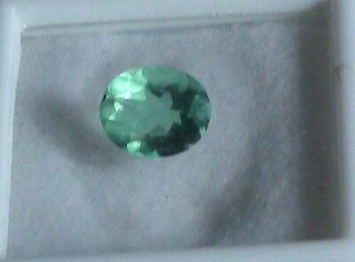 Awesome NATURAL MINED Oval Pure Emerald Green Fluorite 11 x 9mm, 3.5 Ct - HUGE!