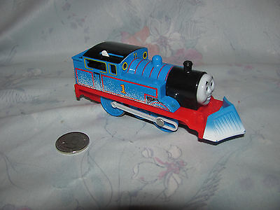 2009 Thomas Trackmaster Motorized Train, Winter Thomas with Snow Clearing Plow