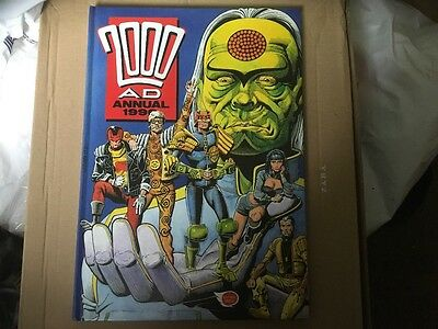 2000 AD Annual 1990- UK Annual - Judge Dredd - 26 Years Old excellent
