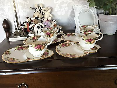Royal Albert Old Country Roses TV/ tennis Set