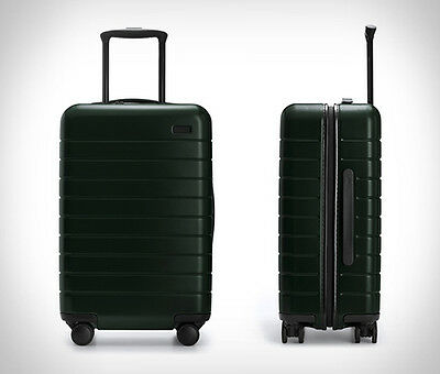 Away Travel luggage- The Large-Green