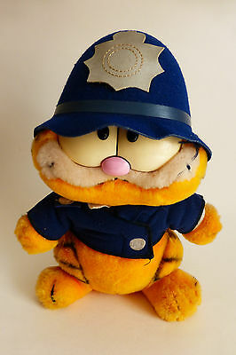 Genuine Vintage Garfield in British Bobby Policeman Uniform Dakin Soft Toy 1980s