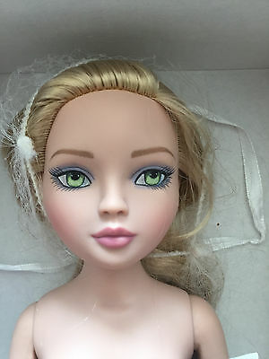 Ellowyne Wilde Check on Me nude DOLL only - Tonner doll - blonde hair green eyes
