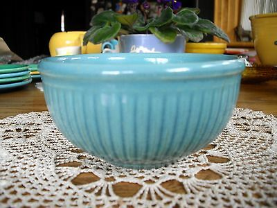 Vintage Bauer Pottery ?? Ring Ware Turquoise Ribbed Bowl ~