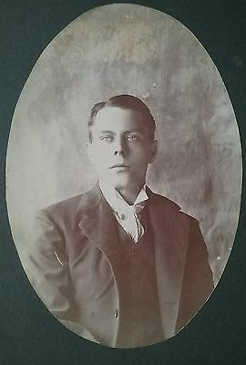 Cabinet Card Photo Of A Handsome Dapper Young Man With A Beautiful Eyes