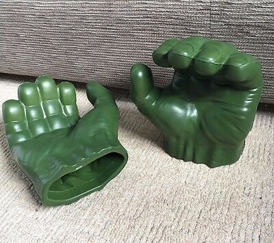 HULK Smash Hands - Foam Hands - Marvel/Avengers (Toys R Us)