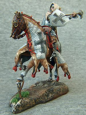 Elite tin soldiers St. Petersburg: Teutonic knight with axe 54 mm