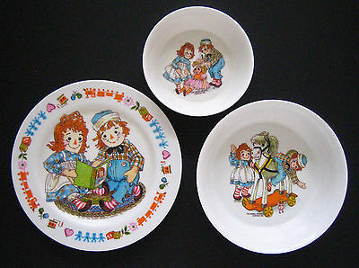 GREAT VINTAGE RAGGEDY ANN and ANDY 3pc YOUTH SET MELMAC DISHES in MINT CONDITION