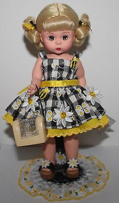 Madame Alexander Doll Yellow DAISIES AND BEES Pristine w/HT & Custom-Made Stand