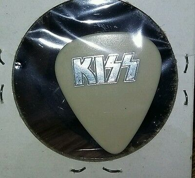 Gene Simmons guitar pick 1979 silver on off white rare Unmasked b17
