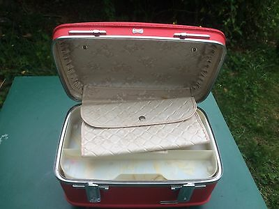 Vintage Red American Tourister Tiara Makeup Train Case Complete and key
