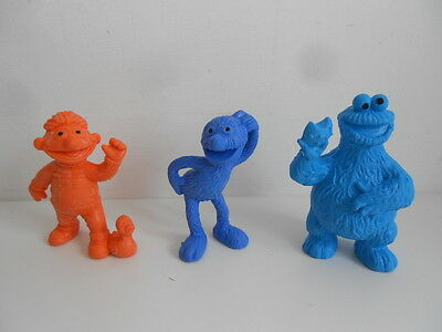 SESAME STREET-3 FIGURES/CAKE TOPPERS by BULLYLAND - ERNIE+COOKIE MONSTER+GROVER