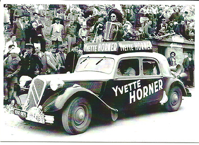 carte postale - TRACTION CITROEN YVETTE HORNER TOUR DE FRANCE 1955