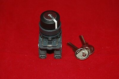 1PC 22mm Key switch 3 Position Fits Plastic XB5AG33 2NO Maintained
