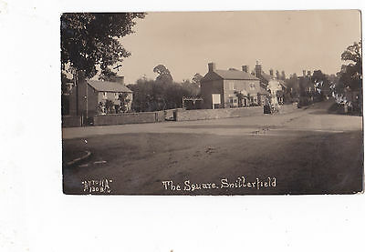 Antona Postcard 1303- The Square,Snitterfield,Warwickshire. Showin New Inn.