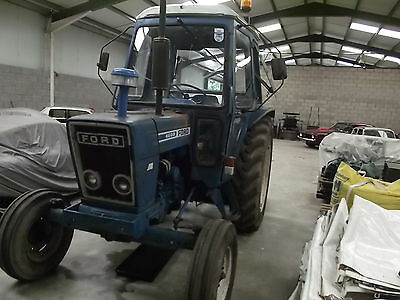 Ford 4600 tractor ready to work or restore, 1979 with q cab fitted good runner