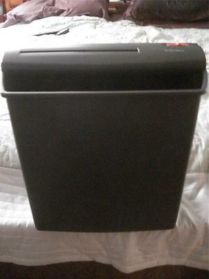 "FELLOWES P500 PAPER SHREDDER (14"" x 15 1/2"" X 7 1/2"")"