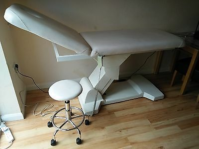 ESTHETIX Z couch electric massage treatment beauty therapy couch + 1 stool