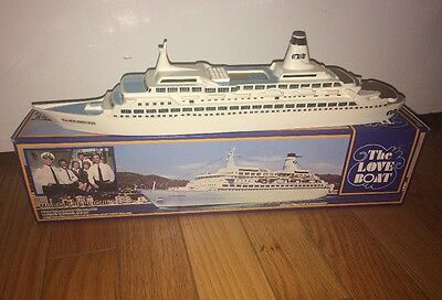 THE LOVE BOAT Pacific Princess 1984 CRUISE SHIP MODEL w BOX Montego Products