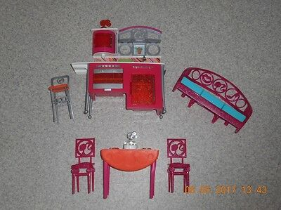Barbie lot Mobilier