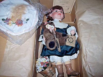 """Boyds Bear & Doll Yesterday's Child """"meredith With Jacqueline Daisy Chain"""" W/coa"""