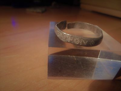 Superb celtic ring in silver , with celtics runes , diameter :23