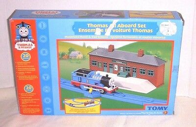 Vintage Thomas The Train & Friends All Aboard Train Set - Tomy Toys 2005 - 20 Pc