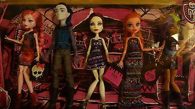 NEW OUT OF BOX Monster High Maul Monsteristas Billy Gigi Draculaura Wolf Spectra