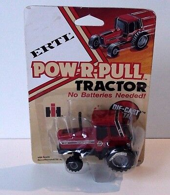 Vintage 1981 International 5488 Series Pow-R-Pull Tractor Diecast Scale 1/64