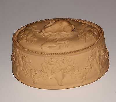 Wedgwood Game Pie Dish, Cover And Liner, Some Faults.
