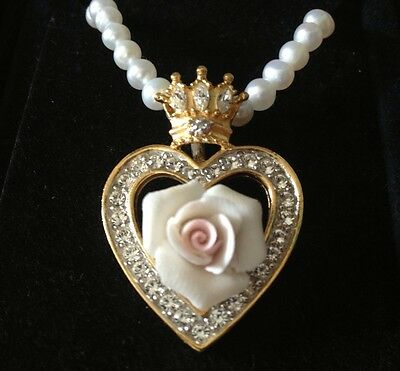 New FRANKLIN MINT DIANA, PRINCESS OF WALES Rose Heart Pendant Necklace England