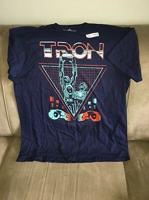 Tron T-shirt Men's XL Exclusive Loot Gaming March 2017