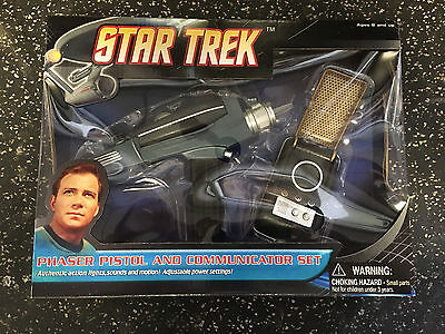 Star Trek Phaser Pistol And Communicator Set 2008 Diamond Select
