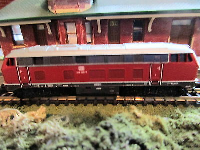Marklin Z - DB Diesel Locomotive  (Red) #8875