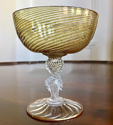 A Fine Quality Venetian Murano Gold Flecked Glass, c.1890. 10.5cm High.
