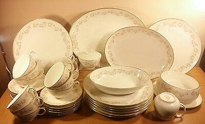 Noritake Japan Ivory China Gold Ivy dinner set 38pce