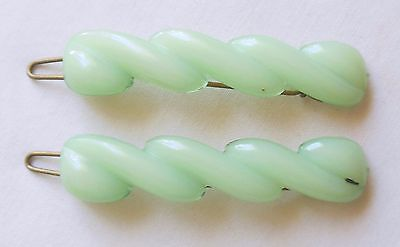 Vintage Pair of Matching Green Plastic Hair Barrettes Clips