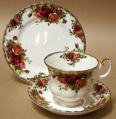 Royal Albert Old Country Roses Trio Cup Saucer Plate