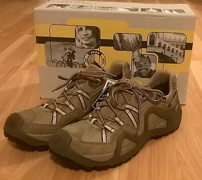 New in box Women's hiking shoes, size 10 1/2, Lowa Zephyr GTX, Gore-Tex