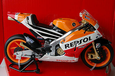 MARQUEZ  HONDA  RC213V  2014 1/12th  MODEL  MOTORCYCLE