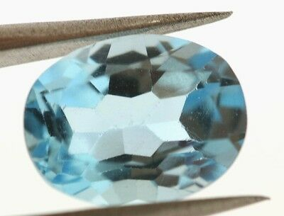 4.14 Carat Faceted, Oval-shaped BLUE TOPAZ Gemstone