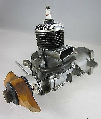 Vintage O&R 29 Ignition Model Airplane Engine with Fuel Tank