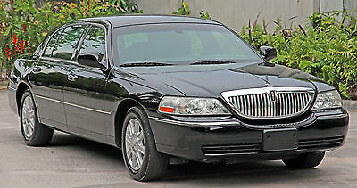 2011 Lincoln Town Car Executive L ONE OWNER Clean Carfax Long Extended Wheel Base w/ Rear Luxury Package VIDEOS!