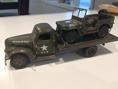 Chevrolet 1941 Army Flat Bed Truck (Hickam Air Field) +  Willys Jeep Nos Loose
