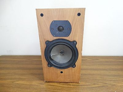 BW Model DM22 Vintage Bookshelf Speaker Wood Grain Finish