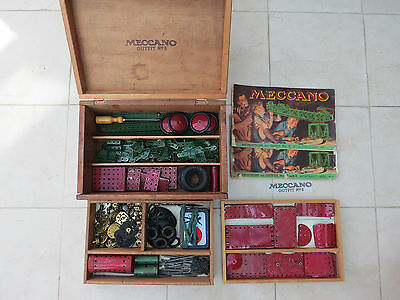 Meccano Outfit/Set No.8 in Wooden Box - 100% Complete. 1951 Medium Red/Green