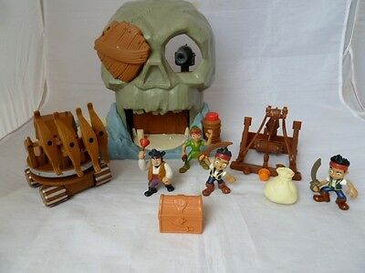 Mattel Disney Jake And The Neverland Pirates Skull Island With Peter Pan
