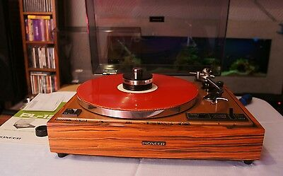 Pioneer PL12D turntable,record player