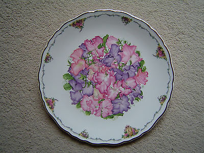 Royal Albert Collectors Plate 'Sweet Peas' by Sara Anne Schofield